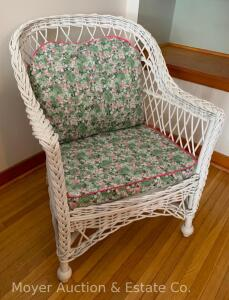 White Wicker Chair with cushions, nice condition