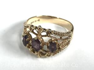 10K Gold Ladies Ring with 3 oval Amethysts, 2.6 dwt.