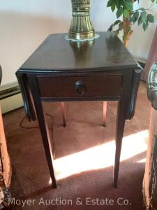 "Pair of Mahogany Drop-leaf End Tables, tapered leg, nice condition, 15""w x 27""h with pair of brass-tone table lamps, (shades poor)"