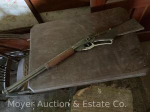 Daisy Red Ryder Carbine BB Gun, No. 111 model 40, appears original cond.