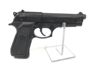 New Beretta 92FS, 9mm, Unfired with original box and paperwork, includes 1 magazine