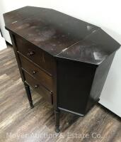 "Martha Washington-style Sewing Stand, 3dr. with lift-top sides, nice condition with one drawer knob missing, 25""wide - 8"