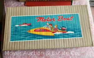 "Vintage Japan Speedboat w/battery operated outboard motor, like-new in box, 12""long x 6""w"