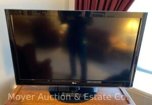 "LG 47"" LCD Television, model 47LH40, with remote control, works good"