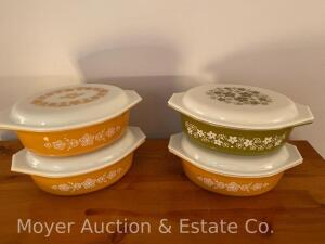 Group of 4 Pyrex 2 1/2qt. Casserole Dishes with lids