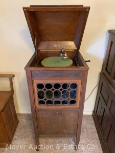 Edison Oak Disk Phonograph model S-19, good condition, works