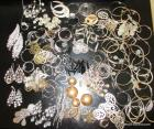 Large group of costume jewelry earrings including many large dangly & hoop-type, see pictures