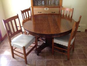 round oak table w/4 leaves