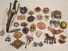 Group of fashion jewelry & collectibles