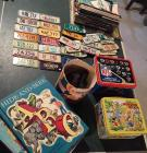 Group of collectibles incl. 2 lunch boxes, cartoon glasses, view master, etc.