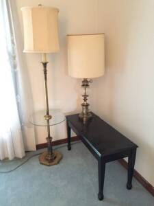 Piano bench, floor lamp & table lamp